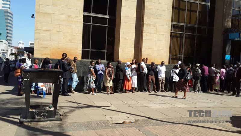 Cash Crisis, bank Queues, Zimbabwean Banking