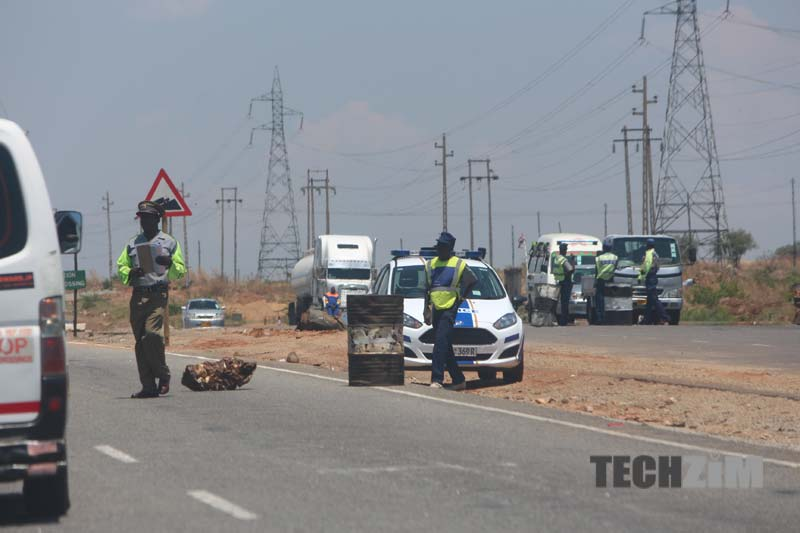 traffic cops, Spot fines, roadblocks, Zimbabwe traffic, corruption