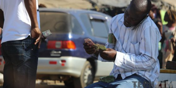 Zimbabwe Hyperinflation money changer dealer forex trader