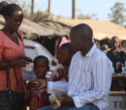 Cash vending in progress in Harare