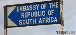 Directional sign to the Embassy of South Africa