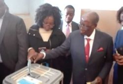Robert Mugabe casting his vote in the Zimbabwean Election 2018